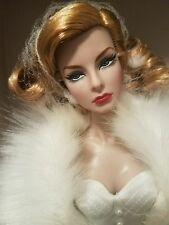 NRFB AGNES FEMININE PERSPECTIVE CINEMATIC GIFTSET FASHION ROYALTY INTEGRITY Doll