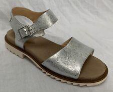BNIB Clarks Ladies Ferni Fame Silver Leather Flat Sandals