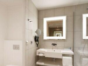 Artimede Badspiegel mit Heizung und Beleuchtung Maße in cm ca. 76,5 x 76,5