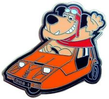 MUTTLEY DRIVES THE SUPER COOL BOND BUG ENAMEL PIN BADGE R/H DRIVE