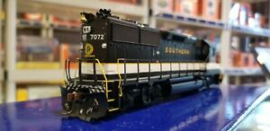 Athearn Genesis HO Scale G40645 - GP50 Southern (NS) #7072 - DCC/Sound - JFS