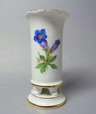 (g2365) Vaso Meissen a 4 piedi, colorati fiori pittura, 1. scelta, altezza 14 cm