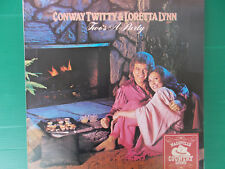 LP CONWAY TWITTY & LORETTA LYNN TWO'S A PARTY 1981 NUOVISSIMO LOOK