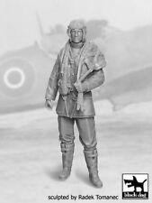 Black Dog 1/32 British RAF Fighter Pilot #1 1940-1945 WWII Standing F32028