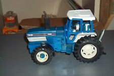 BRITAINS 1:32 FORD TW 35  TRACTOR  USED    LOOSE NO BOX