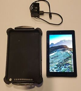 Amazon Fire 7 7th Generation 7in 8GB Tablet  SR0423kl  Black with Bundle