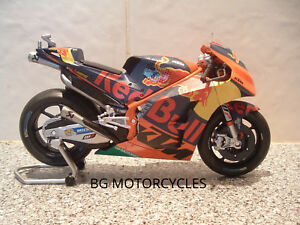 1:12 2017 BRAD SMITH BRADLEY DIECAST MODEL FACTORY RED BULL KTM RACING MOTOGP 38