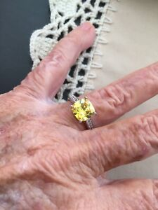 Ring--sz7--crystal yellow square in silver, v pretty