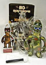 Pete Fowler - Monsterism - BIG MONSTROOPER - Green strange camo - Vinyl figure
