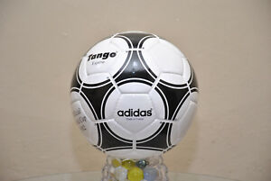 BID::Adidas Official Match-Ball of FIFA World Cup 1982 Leather Football Size 5.)