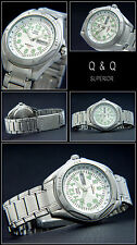 SPORTY MEN'S WATCH DIVERS MODEL BY Q&Q STAINLESS STEEL TAG/DATE EASY TO READ NEW