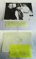 1976 press photo~ YUL BRYNNER, BARBARA BOUCHEY The Undesirables