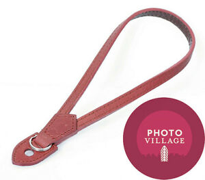 Black Label Bag Leather Wrist Strap in Red
