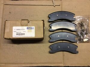 New Factory OEM Mopar 1-05093183AA Disc Brake Pad Pads Front