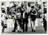 Maradona / Bilardo / Dezotti - Gioia a fine gara - qualificazioni Italia '90