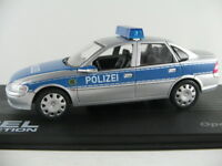 "IXO #91 Opel Vectra B Limousine (1995-2002) ""Polizei Berlin"" 1:43 NEU/PC-Vitrine"
