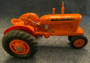 Allis-Chalmers WD 1/16 Scale Tractor and Wagon, Product Miniature