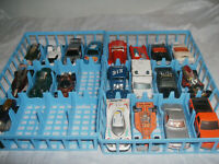 Vintage 20 Lot of mixed Hot wheels Matchbox Cars and Generics with carrying case
