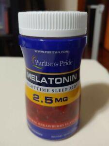Puritan's Pride Melatonin Gummy 2.5 mg Strawberry Flavor