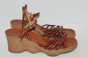 Vintage~FAMOLARE~Go There~ITALY~Leather~SCALLOPED Wedge~SANDALS~Straps~SIZE 9 N