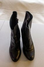 "Size 8 ""Steve Madden"" Gorgeous Ladies Short Boots. Great Condition Bargain Price"