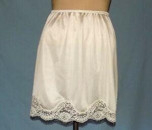 Absolutely Gorgeous Adonna 17-Inch Ivory One Open Seam Half Slip Plus Size 1X