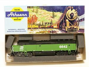 Athearn Trains HO Scale Burlington Northern Powered F45 Diesel Locomotive Engine