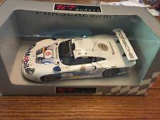 UT MODELS PORSCHE 911 GT1 1997 WARSTEINER #6  T. Bortsen / H. J. Stuck - 1/18