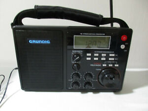 Grundig S450DLX Portable AM/FM/Shortwave Field Radio with Charger