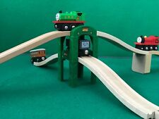 ELEVATED TRACK WITH SUPPORTS for THOMAS AND FRIENDS WOODEN RAILWAY BRIO TRAIN