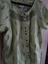 David EMANUEL apple green  ladies Blouse Size 16