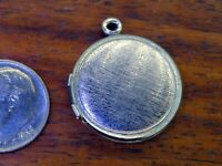 Vintage sterling silver ROUND PHOTO HOLDER KEEPSAKE LOCKET MOVABLE charm