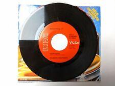Elvis Presley - 45 RPM Red Label RCA Gold Standard - Hound Dog / Don't Be Cruel
