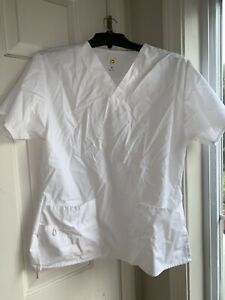 Ladies Wonder Wink Scrub Top Size Medium- White - excellent shape