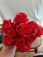 10 artificial red roses