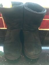 black leather ugg boots size W7