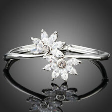 18K Gold GP Made With Swarovski Crystal Elements Two White Flowers Bracelet