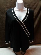 WOMENS AK ANNE KLEIN SZ MEDIUM BLACK PULLOVER W/WHITE L/S STRIPING STYLISH TOP