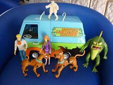 SCOOBY DOO  VAN MYSTERY  MACHINE + LOT 5 FIGURINES ARTICULÉES +figurine phosphor
