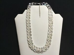 Women's Short Iridescent Acrylic Chain Link Necklace