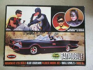 2014 BATMAN CLASSIC TV SERIES BATMOBILE 1/25 SCALE MODEL KIT POLAR LIGHTS IN BOX