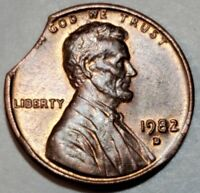 1982 D - LARGE CURVED CLIP - 3 BLAKESLEY EFFECTS LINCOLN CENT MAJOR ERROR #8646