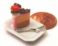 1:12 Scale Slice Of Cake On Plate Dolls House Miniature Kitchen Accessory SCs29