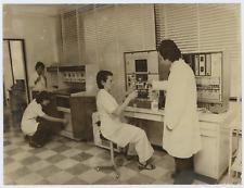 Analizzatore elettronico, termografia  Vintage  Tirage argentique  18x24