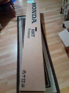 "Honda HHT35SLTAT Trimmer 17"" Straight Shaft Trimmer NIB"
