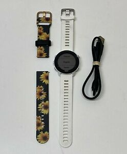GARMAN FORERUNNER 245 MUSIC SMARTWATCH WHITE CHARGING CABLE & EXTRA BAND RUNNING
