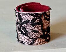 Romantisches Damen Leder Armband - rosa mit schwarzer Spitze - Handmade