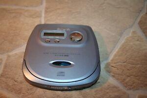 AIWA GM2000 Compact Disc Player Discman (*FP*)