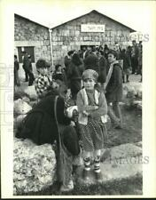 1978 Press Photo Youngster viewed new Gush Emunin settlement at Shiloh-West Bank