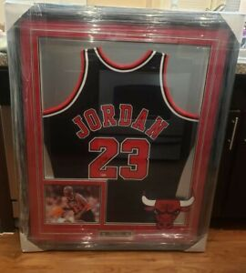 Michael Jordan 1997-1998 Signed Chicago Bulls Black Jersey Framed UDA COA